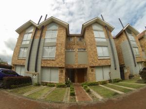 Casa En Ventaen Chia, Callenelas, Colombia, CO RAH: 18-247