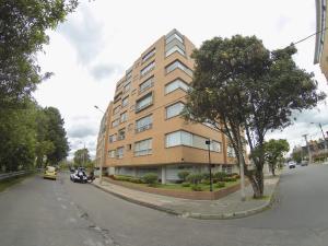 Apartamento En Ventaen Bogota, Contador, Colombia, CO RAH: 18-248