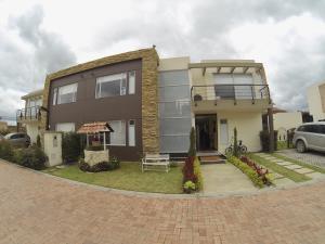Casa En Ventaen Chia, Camino La Floresta, Colombia, CO RAH: 18-253