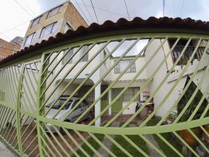 Casa En Ventaen Bogota, Puente Aranda, Colombia, CO RAH: 18-260