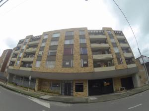Apartamento En Ventaen Bogota, Suba, Colombia, CO RAH: 18-263