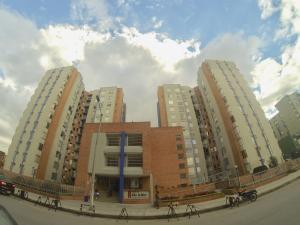 Apartamento En Ventaen Bogota, Ciudad Kenedy, Colombia, CO RAH: 18-266
