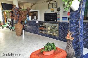 Hotel En Ventaen Melgar, Florida, Colombia, CO RAH: 18-275