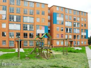 Apartamento En Ventaen Madrid, Zaragoza, Colombia, CO RAH: 18-276