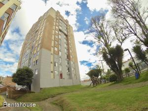 Apartamento En Ventaen Bogota, La Campina Suba, Colombia, CO RAH: 18-161