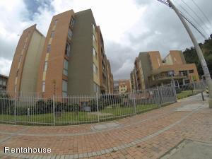 Apartamento En Ventaen Bogota, Usaquen, Colombia, CO RAH: 18-292