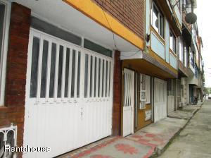 Casa En Ventaen Bogota, Vision De Colombia, Colombia, CO RAH: 18-303