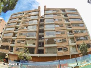 Apartamento En Ventaen Bogota, Chico, Colombia, CO RAH: 18-327