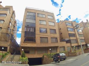Apartamento En Ventaen Bogota, Chico, Colombia, CO RAH: 18-329