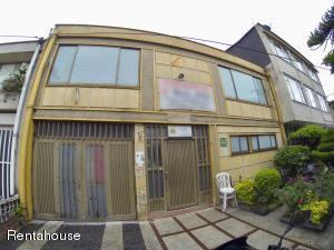 Casa En Ventaen Bogota, Gran America, Colombia, CO RAH: 18-333