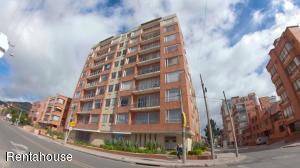 Apartamento En Arriendoen Bogota, Chico Norte, Colombia, CO RAH: 18-353