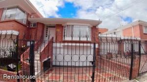 Casa En Ventaen Bogota, Santa Paula, Colombia, CO RAH: 18-357