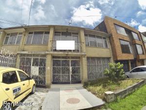 Casa En Ventaen Bogota, Gran America, Colombia, CO RAH: 18-356