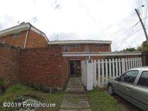 Casa En Ventaen Bogota, Niza, Colombia, CO RAH: 18-380