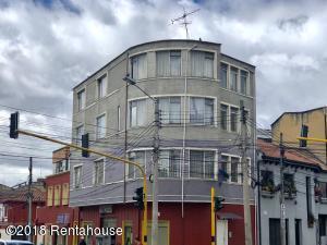 Apartamento En Ventaen Bogota, Teusaquillo, Colombia, CO RAH: 18-392