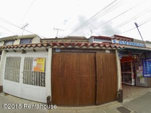 Casa En Ventaen Bogota, Villa Del Prado, Colombia, CO RAH: 18-393