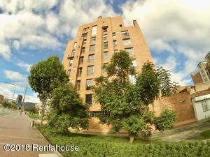 Apartamento En Ventaen Bogota, Chico, Colombia, CO RAH: 18-397