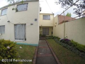 Casa En Ventaen Bogota, Villa Del Prado, Colombia, CO RAH: 18-400