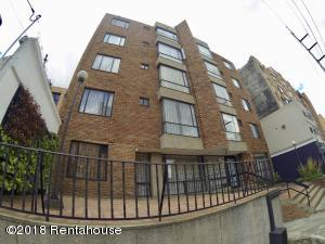 Apartamento En Arriendoen Bogota, Chapinero Alto, Colombia, CO RAH: 18-404