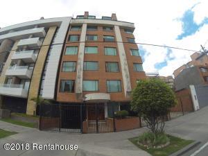Apartamento En Ventaen Bogota, Chico Navarra, Colombia, CO RAH: 18-414