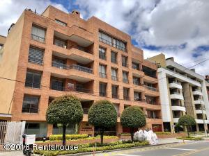 Apartamento En Arriendoen Bogota, Chico Navarra, Colombia, CO RAH: 18-417