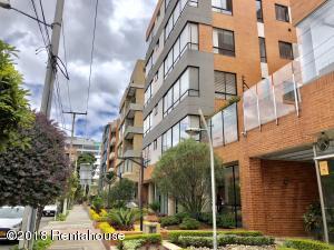 Apartamento En Arriendoen Bogota, San Patricio, Colombia, CO RAH: 18-418
