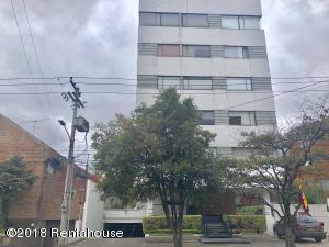 Apartamento En Arriendoen Bogota, Chico Navarra, Colombia, CO RAH: 18-422