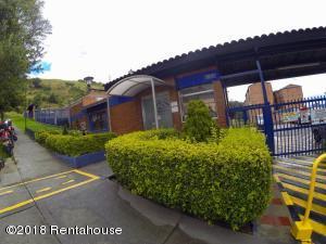 Apartamento En Arriendoen Bogota, San Luis, Colombia, CO RAH: 18-435