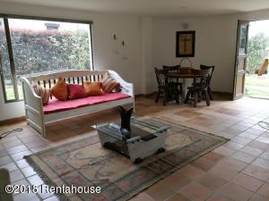 Apartamento En Arriendoen Sopo, Aposentos, Colombia, CO RAH: 18-441