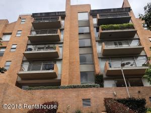 Apartamento En Ventaen Bogota, Cerros De Suba, Colombia, CO RAH: 18-439