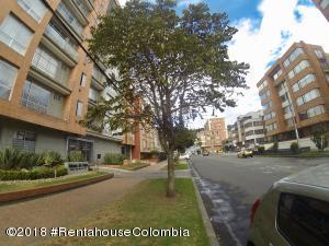 Apartamento En Arriendoen Bogota, Cedritos, Colombia, CO RAH: 18-446