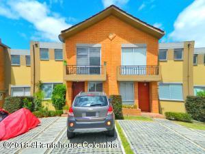 Casa En Ventaen Madrid, Hacienda Casablanca, Colombia, CO RAH: 18-448