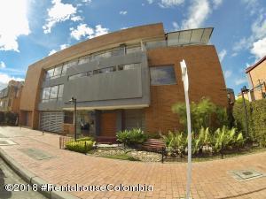 Casa En Ventaen Bogota, Iberia, Colombia, CO RAH: 18-452