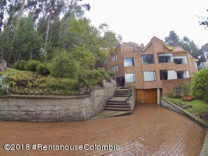 Apartamento En Ventaen Bogota, Bosque De Pinos, Colombia, CO RAH: 18-456