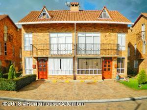 Casa En Ventaen Funza, Centro Funza, Colombia, CO RAH: 18-485