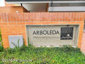 Apartamento En Ventaen Madrid, Hacienda Casablanca, Colombia, CO RAH: 18-464