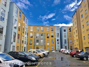 Apartamento En Ventaen Bogota, Las Terrazas, Colombia, CO RAH: 18-472