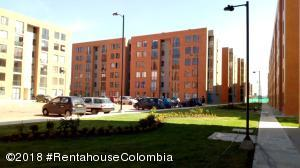 Apartamento En Ventaen Madrid, San Pedro Madrid, Colombia, CO RAH: 18-475