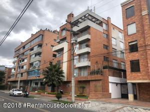 Apartamento En Arriendoen Bogota, Santa Barbara Occidental, Colombia, CO RAH: 18-480
