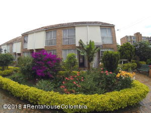 Casa En Ventaen Bogota, Pinar De Suba, Colombia, CO RAH: 18-482