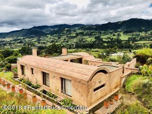Casa En Ventaen Tabio, Vereda Rio Frio, Colombia, CO RAH: 18-495