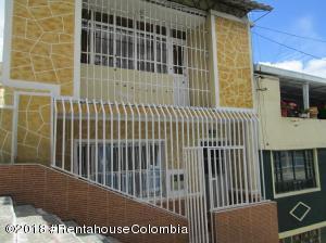 Casa En Ventaen Bogota, El Socorro, Colombia, CO RAH: 18-491