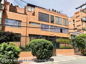 Apartamento En Arriendoen Bogota, Chico Norte, Colombia, CO RAH: 18-557