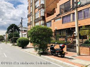 Apartamento En Arriendoen Bogota, Chico Norte, Colombia, CO RAH: 18-558
