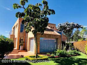 Casa En Arriendoen Cajica, Vereda Canelon, Colombia, CO RAH: 18-594