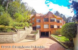 Apartamento En Ventaen Bogota, Bosque De Pinos, Colombia, CO RAH: 18-582