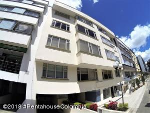 Apartamento En Ventaen Bogota, Chico, Colombia, CO RAH: 18-640
