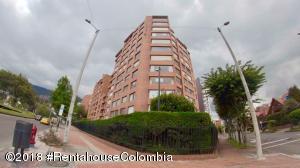 Apartamento En Ventaen Bogota, Santa Barbara Central, Colombia, CO RAH: 18-648