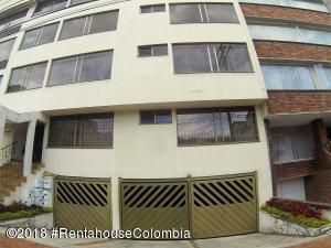 Apartamento En Arriendoen Bogota, Santa Barbara Central, Colombia, CO RAH: 18-649