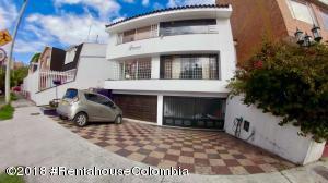 Casa En Ventaen Bogota, Santa Bárbara, Colombia, CO RAH: 18-652